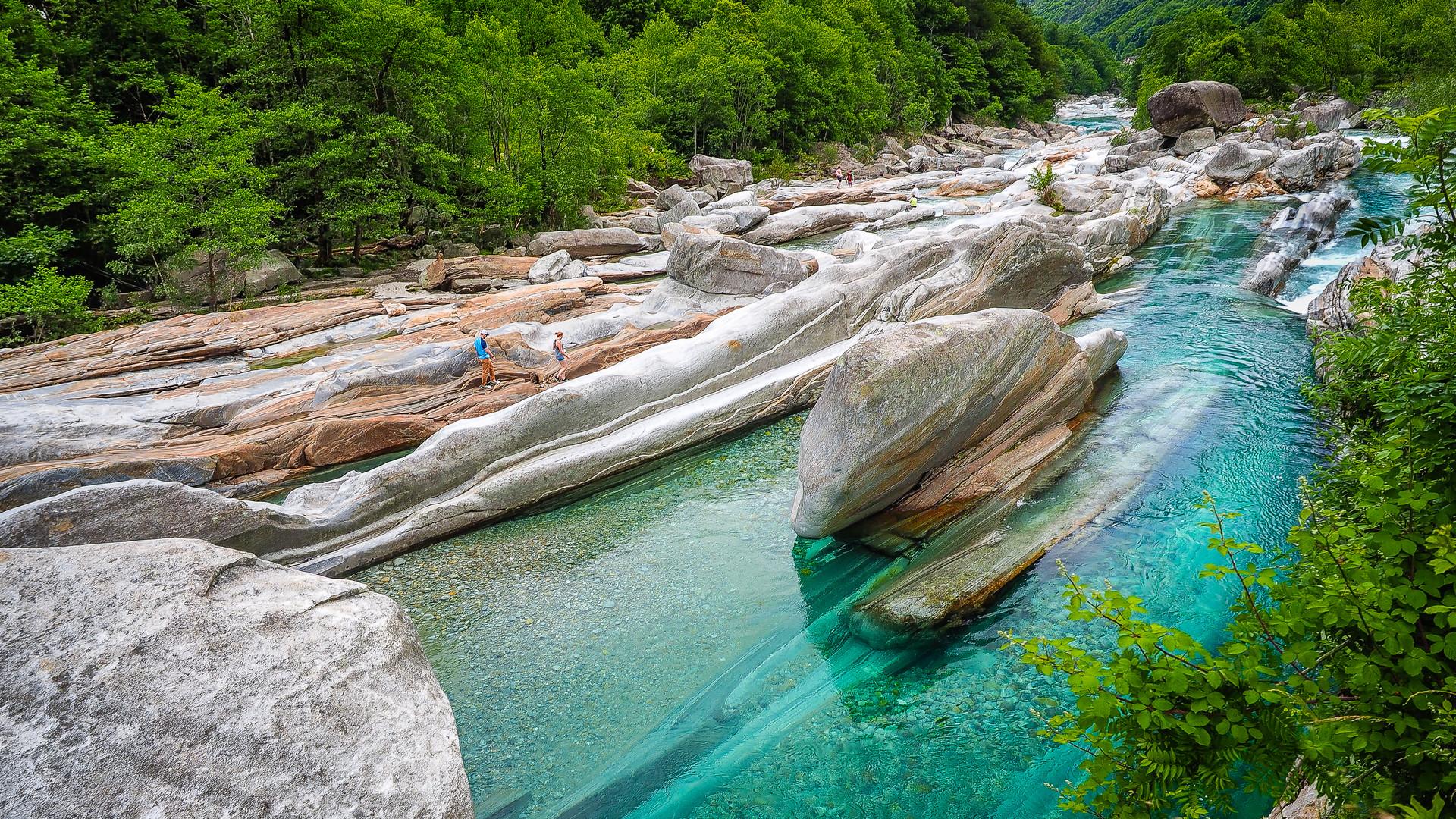 Am grünen  Wasser