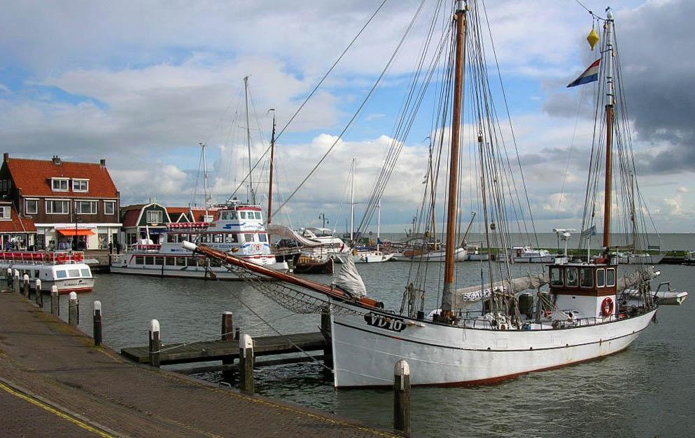 Am Hafen von Volendam