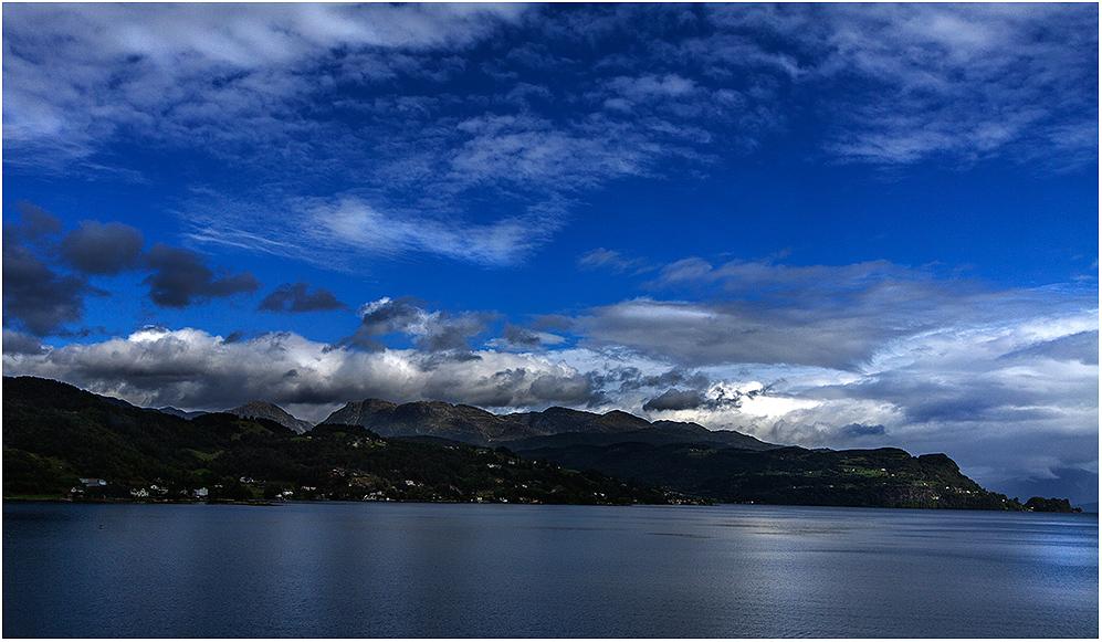 ... am Hardangerfjord ...