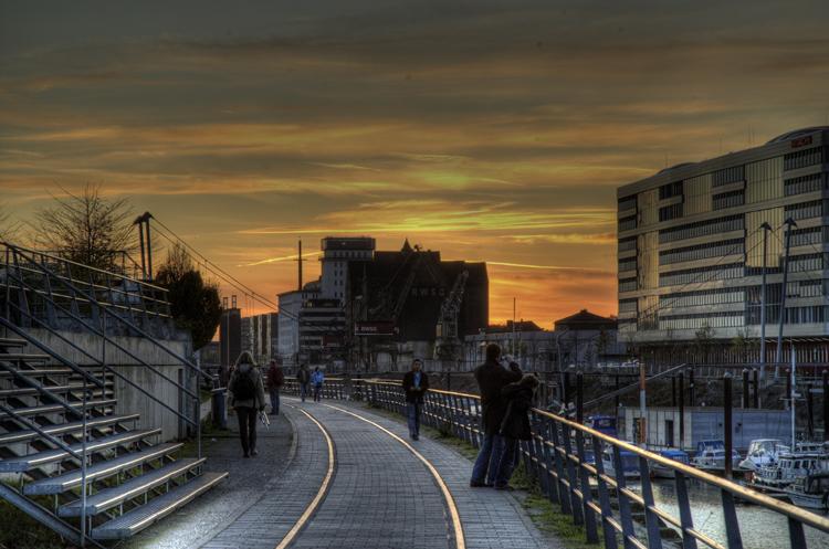 Am Innenhafen Duisburg - bei Sonnenuntergang