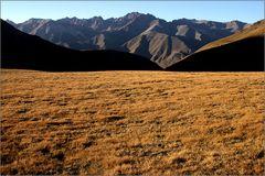 am kalmakashu-pass (3346 m)