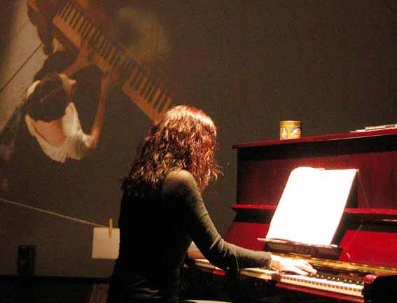 Am Klavier...