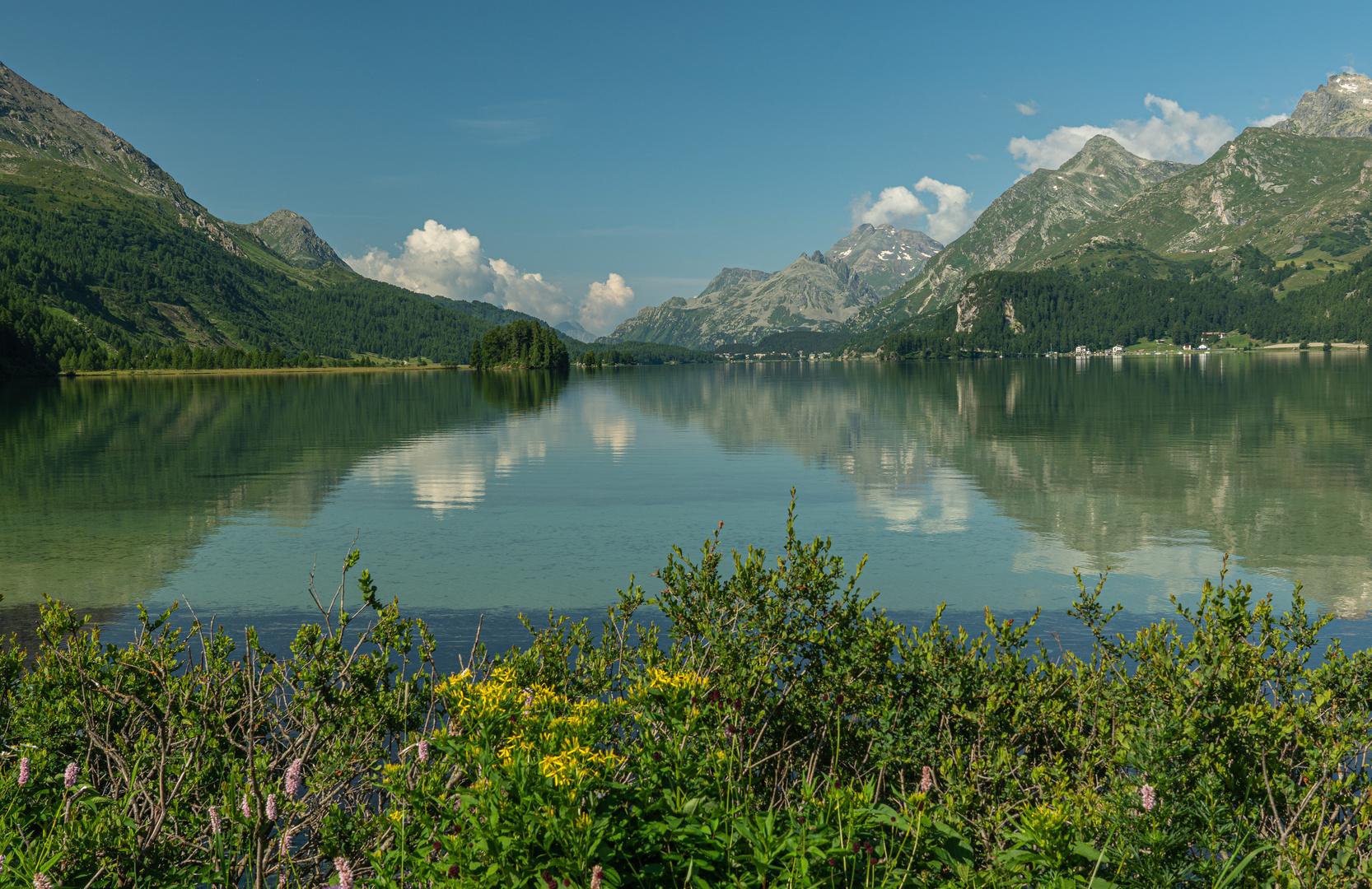 am Silsersee mit Blick nach Maloja