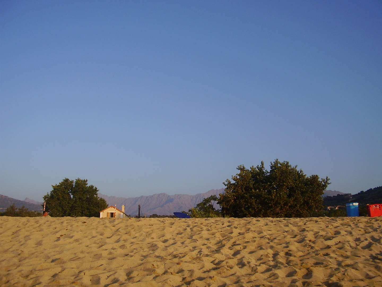 Am Strand von Algajola