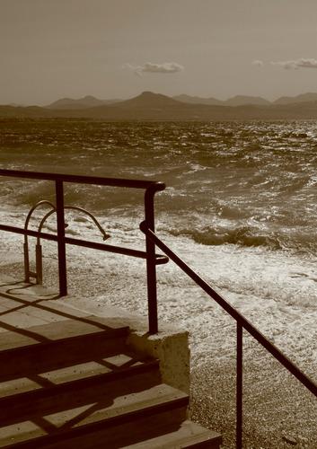 am Strand von Loutraki