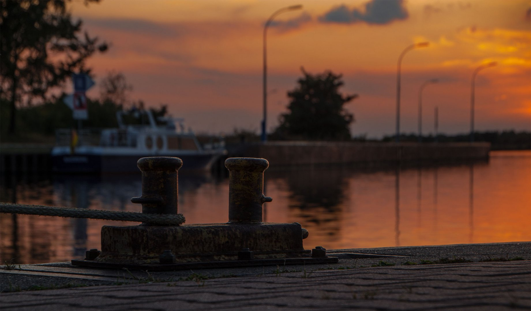 Am Wasserstrassenkreuz