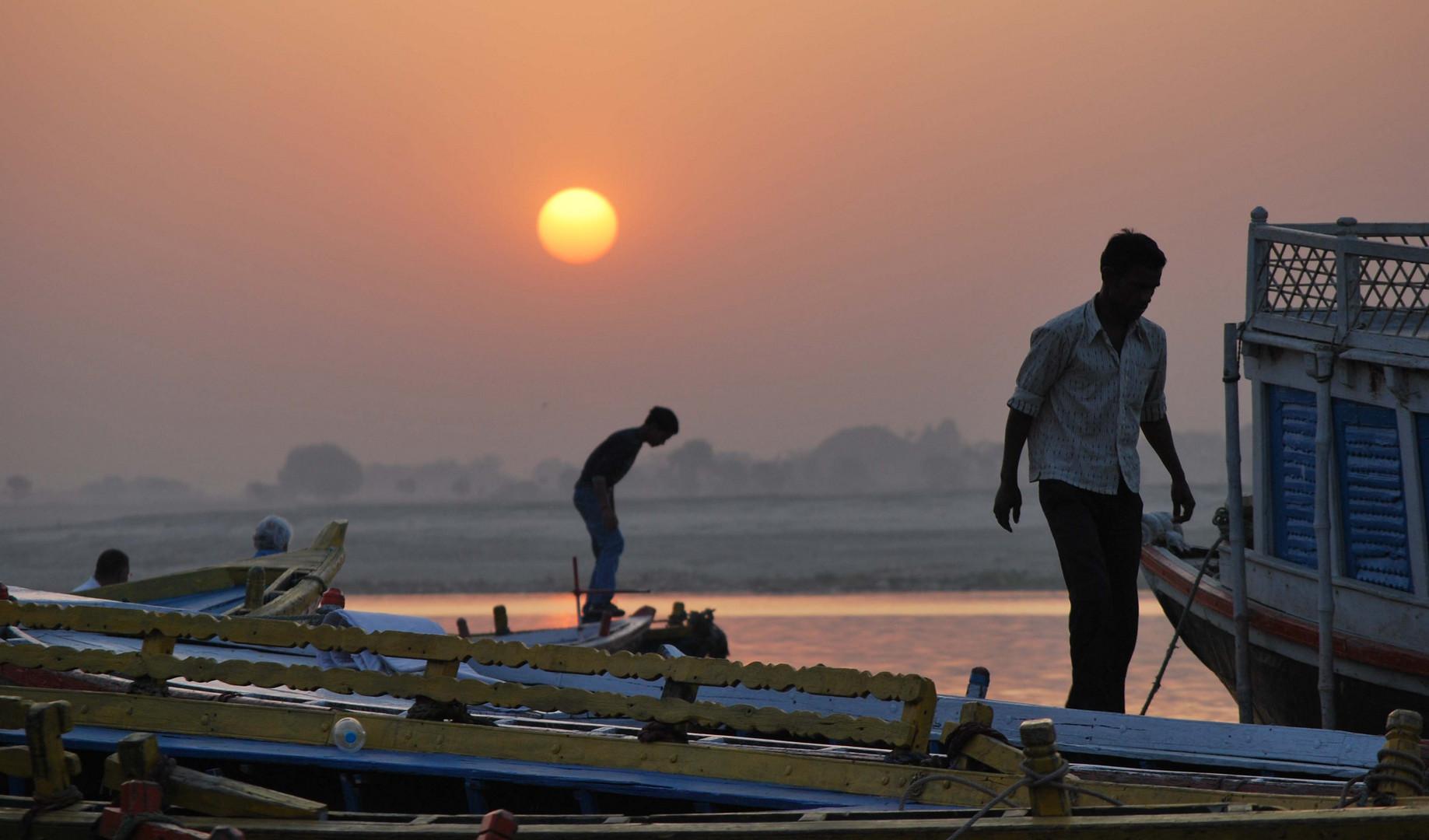 Amanece en Varanasi