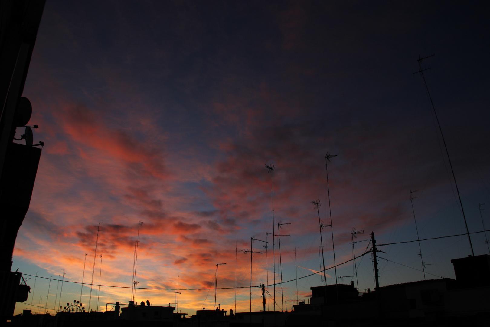 Amanecer redondo. 2 Puerto de Valencia, 6 de Diciembre 2012 8:20 AM