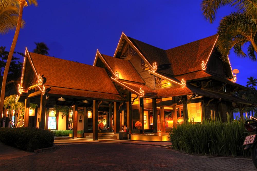Amari Palm Reef Lobby