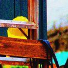 Amarillo y madera.