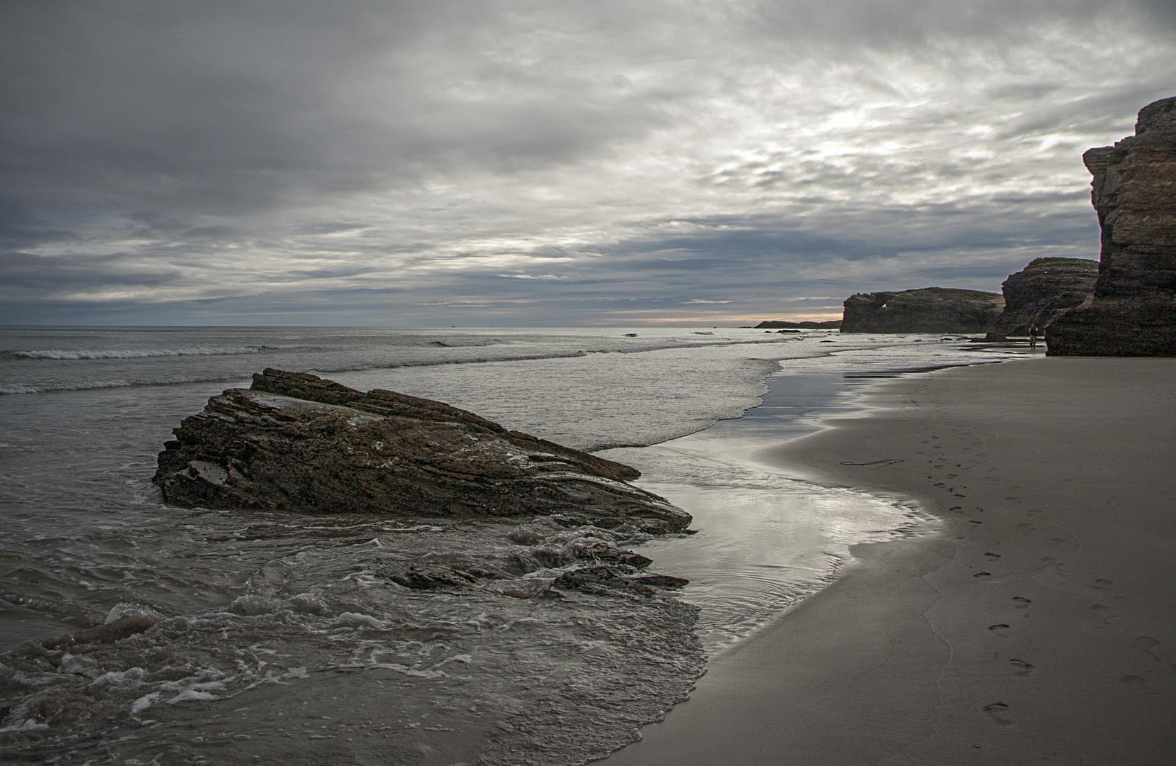 Amencer na praia de Augas Santas