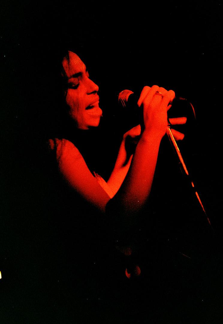 America Rodriguez - live
