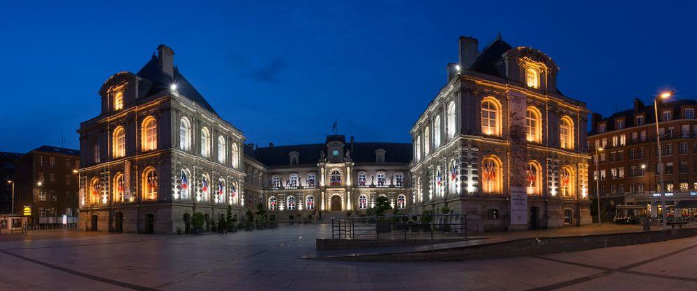 Amiens Hotel de Ville Pano