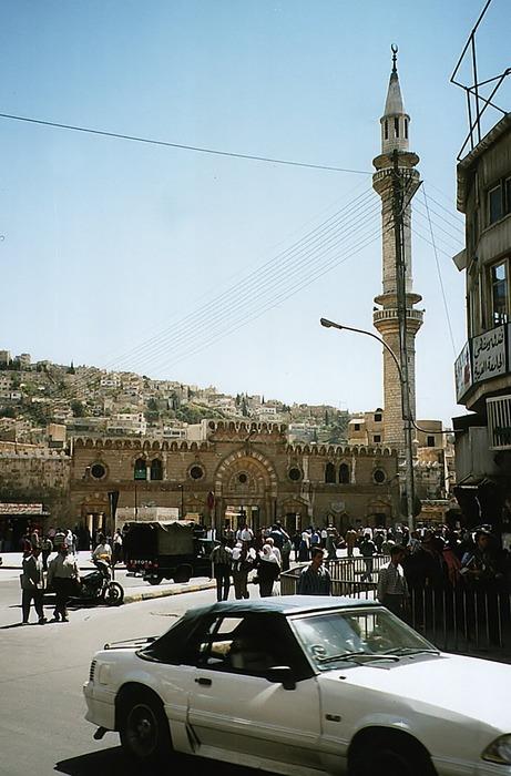 Amman - Downtown traffic & mosque