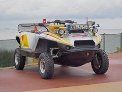 Amphibisches Rettungsfahrzeug - halb Quad, halb Jet-Ski - an der Promenade in Cuxhaven-Duhnen