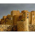 Amran Stadtmauer von aussen