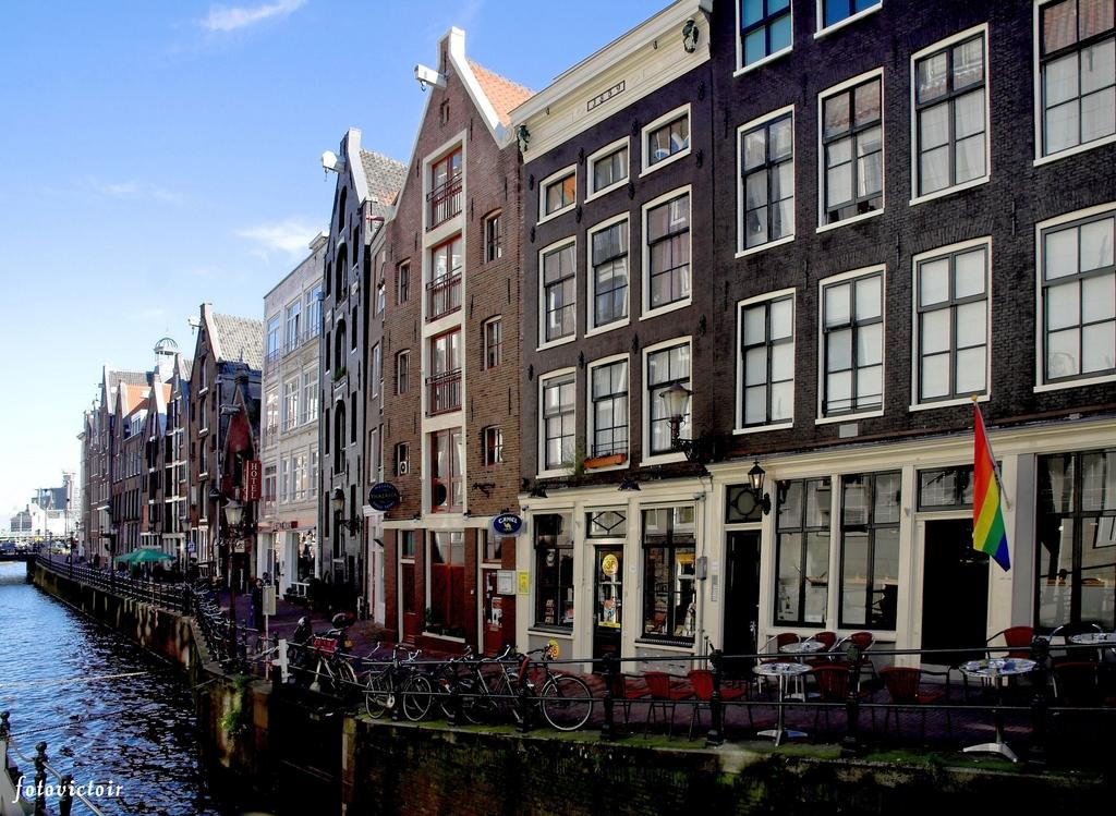Amsterdam Nieuwezijdskolk www.fotovictoir.nl