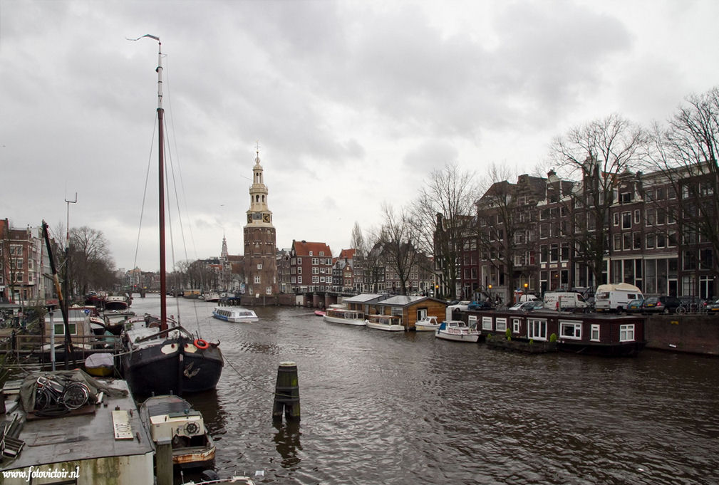 Amsterdam Oudeschans met de Montelbaanstoren www.fotovictoir.nl