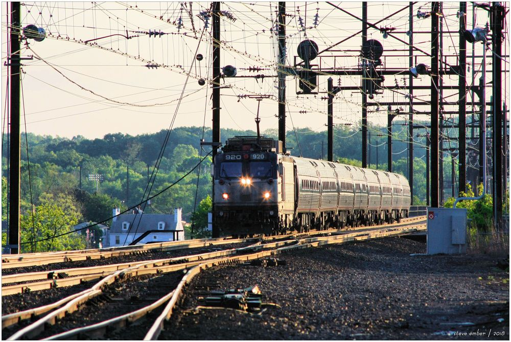Amtrak AEM-7 with 8-Car Northeast Regional Train