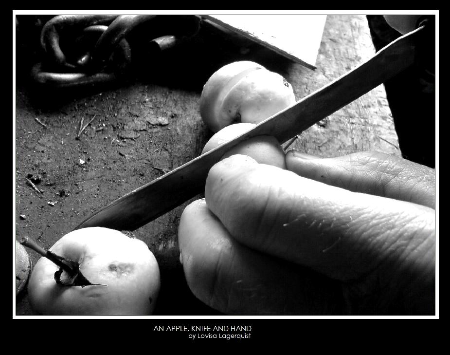 An apple, A knife and A hand