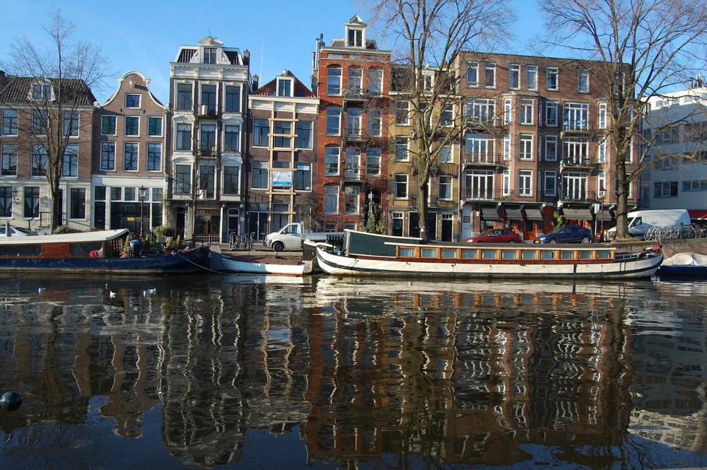 An den Amsterdamer Grachten...