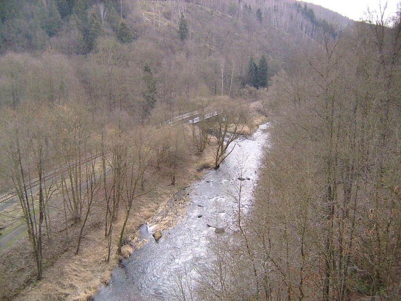 An der Elstertalbrücke