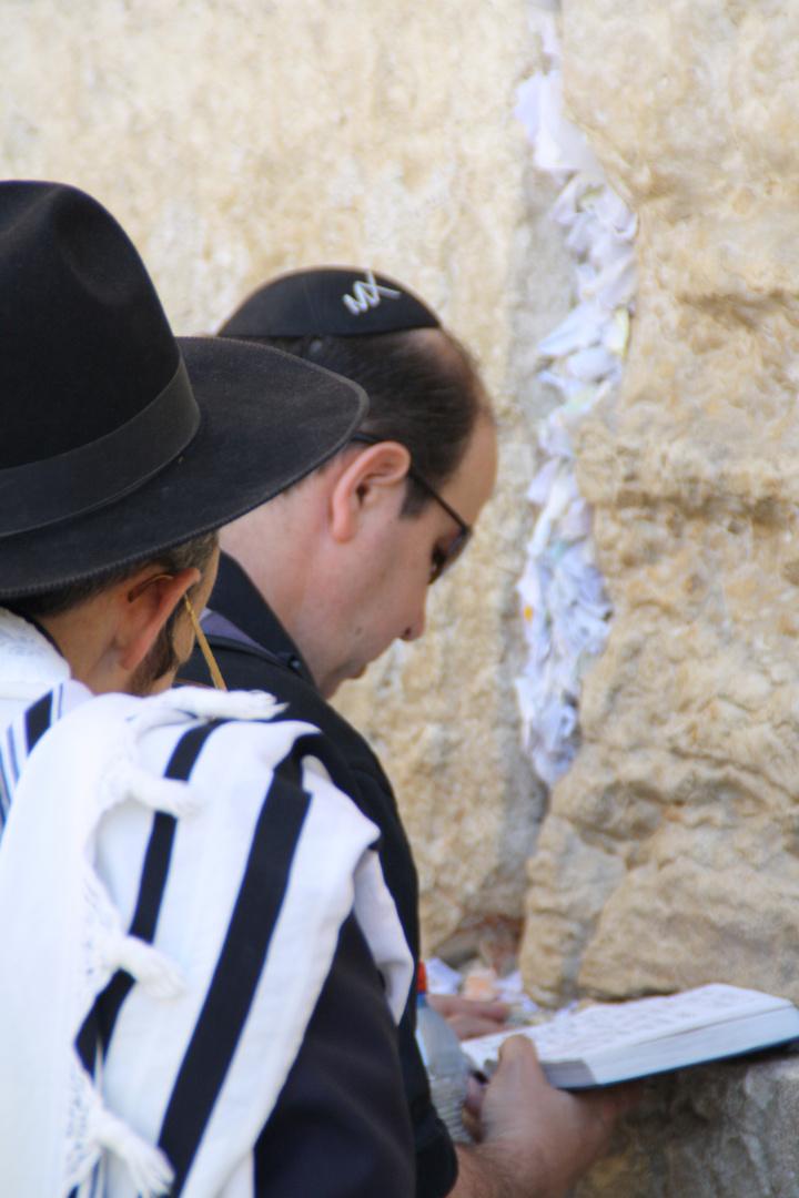 An der Klagemauer in Israel