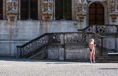 An der Rathaustreppe  / Belgien ist auch schön /  Leuven.    DSC_1659