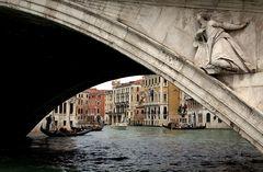 An der Rialto-Brücke
