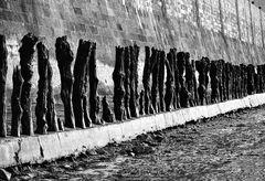 An der Stadtmauer.        ..120_1716