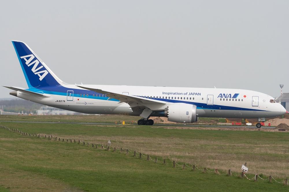 ANA 787-8 Dreamliner JA827A