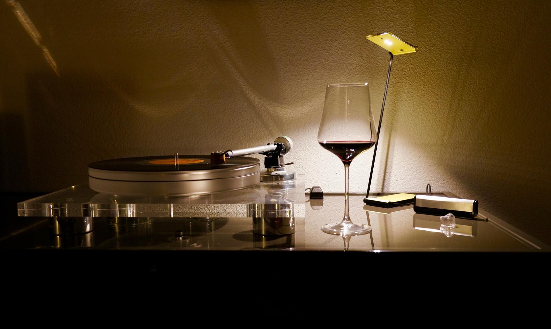 Analog.....  Musik und Wein
