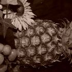 Ananas an Weintraube