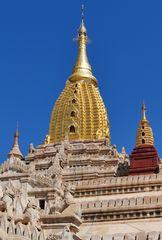...Ananda - Tempel - Spitzen...