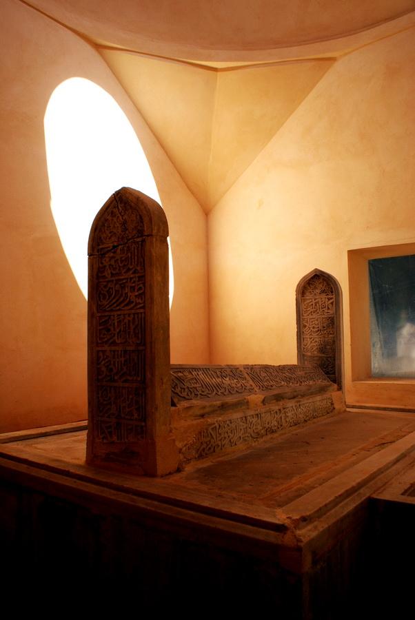 Çandarli Hayrettin Pasa Tomb - Iznik