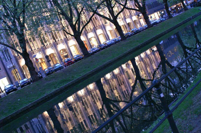 Andere Seite der KÖ in Düsseldorf