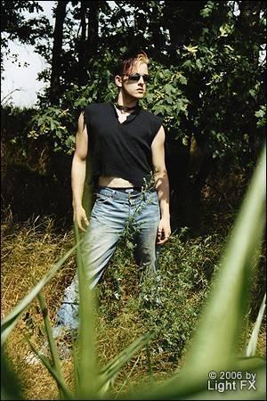 Andy Besser Model Outdoor