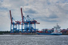 Anfahrt zum Containerterminal