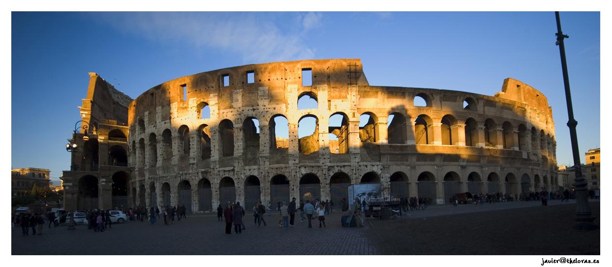Anfiteatro flavio, también conocido como el Coliseo