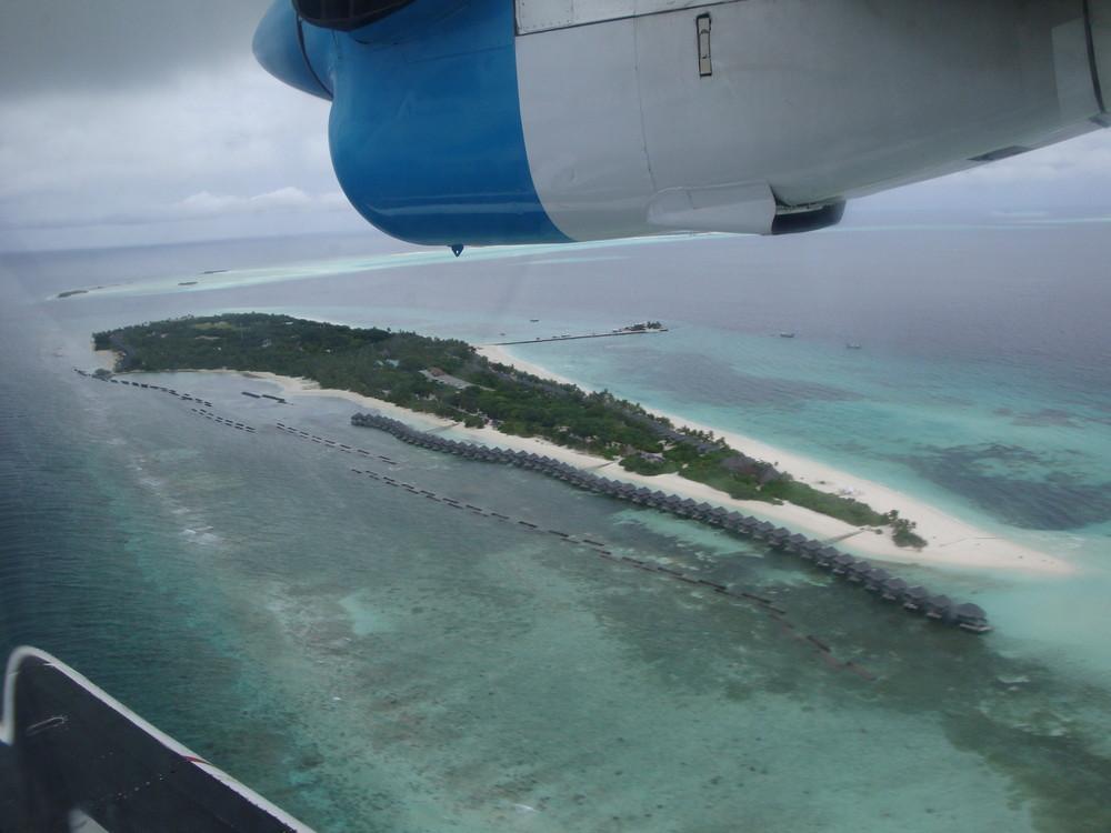 Anflug auf Kuredu-Island...
