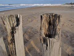 Angegriffen ... von Meerwasser, Sand und Wind ...