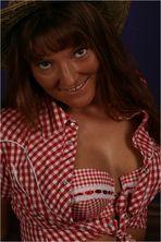 Angie mit Strohhut