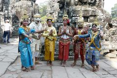 Angkor-Wat - Tempeltänzerinnen und Geistdarstellung