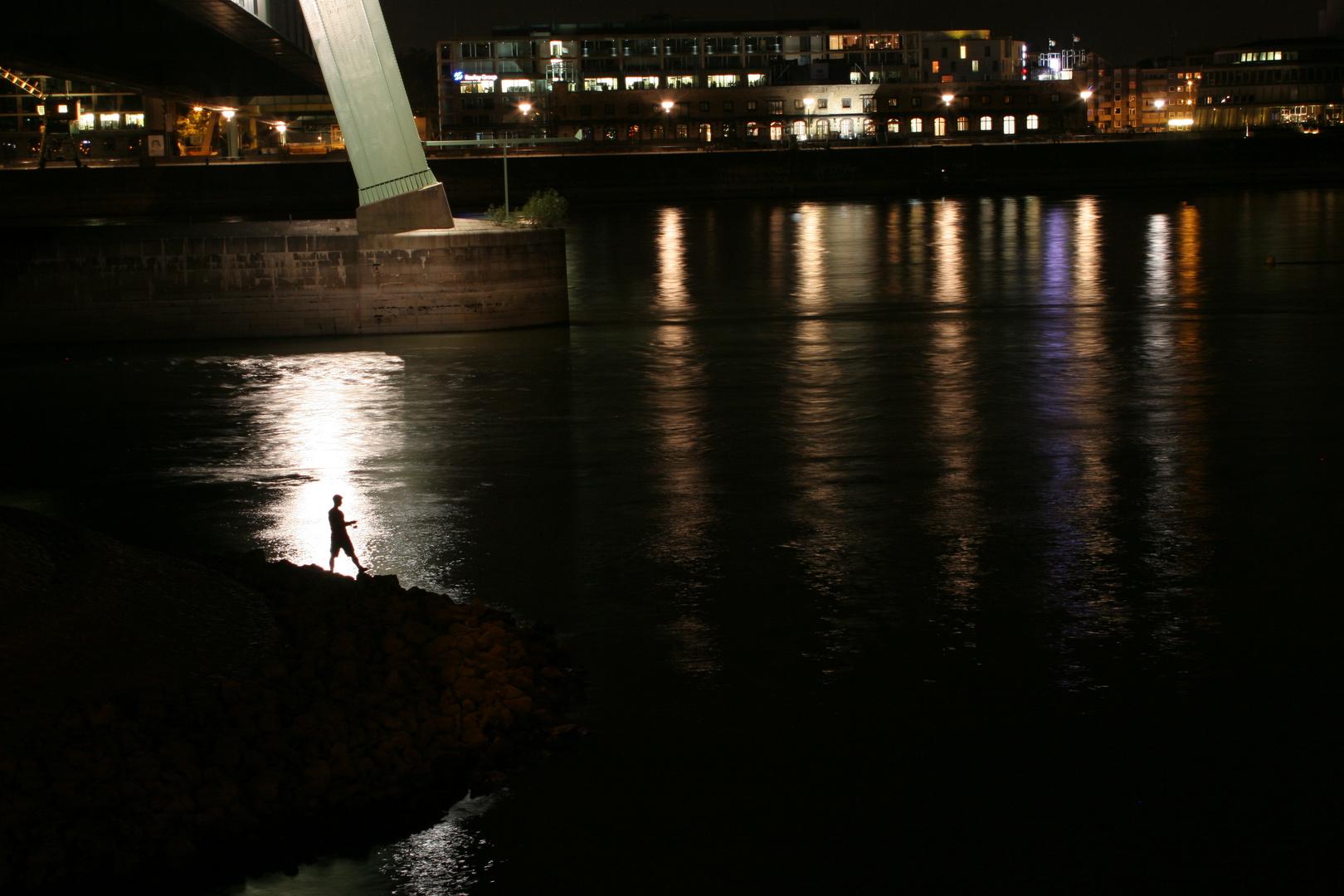 Angler bei Nacht