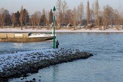 Angler im Winter