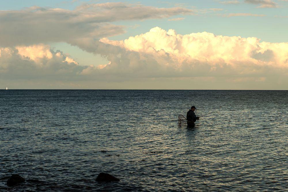 Angler in der Ostsee