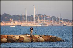 Angler mit Blick auf St. Tropez