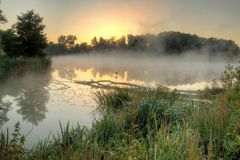 Anglersee im Morgennebel