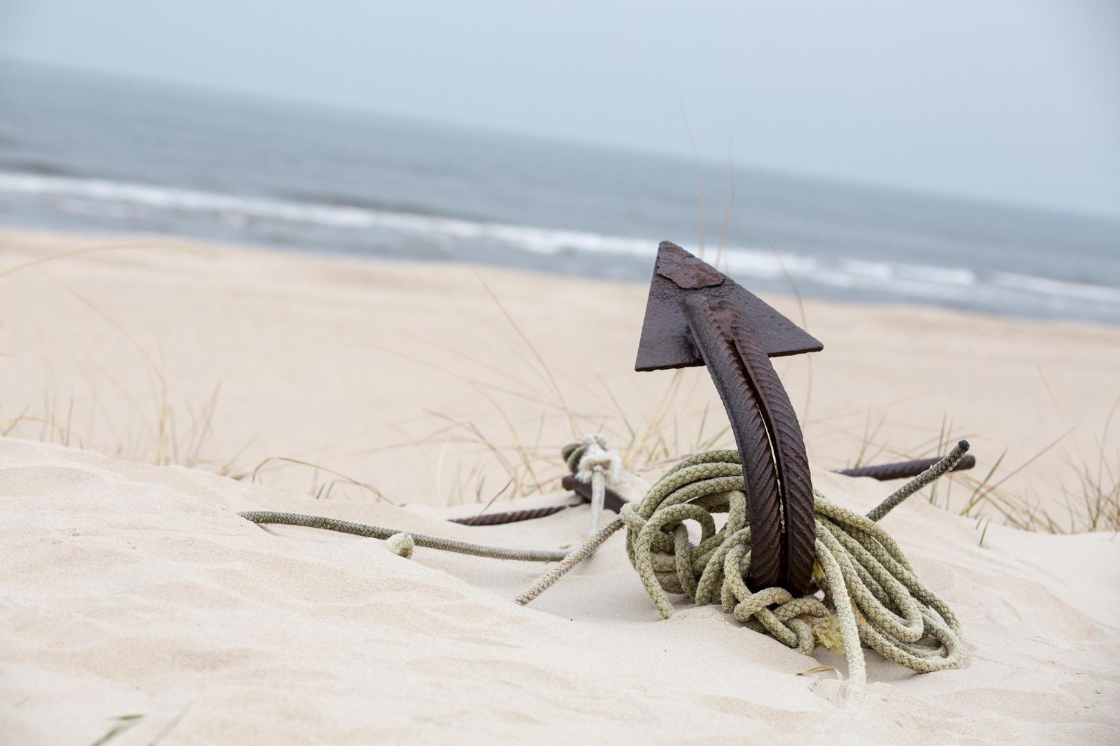 Anker am Strand von Trassenheide