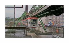 """Ankunft ... """"Alter Markt"""" (früher: """"Rathausbrücke"""") ist die wichtigste Station Barmens"""
